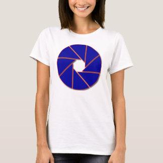青および赤い開きの刃 Tシャツ