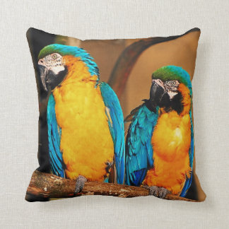 青および金ゴールドのコンゴウインコのオウムの枕 クッション