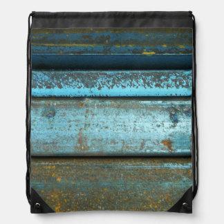 青および錆の険しい風化させた錆つかせた金属 ナップサック