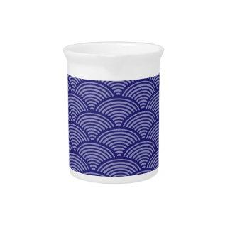 青か紫色の日本のな波パターン ピッチャー