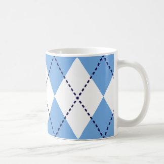 青くアーガイル柄のなパターンマグ コーヒーマグカップ