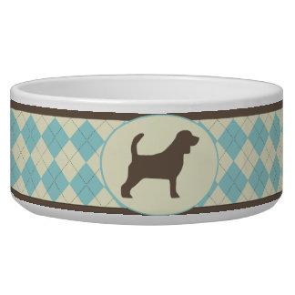 青くアーガイル柄のな格子縞のビーグル犬犬ボール