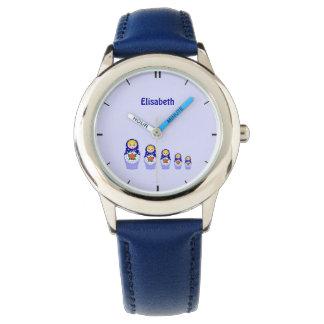 青くロシアのなmatryoshkaのネスティング人形の名前の青 腕時計