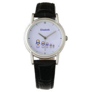 青くロシアのなmatryoshkaのネスティング人形の名前 腕時計