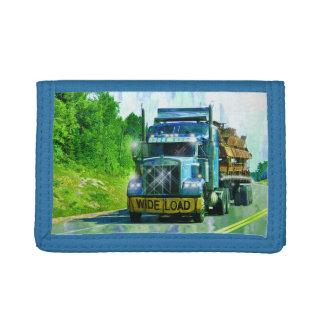 青く大きい装備のトラック恋人の広い負荷貨物自動車