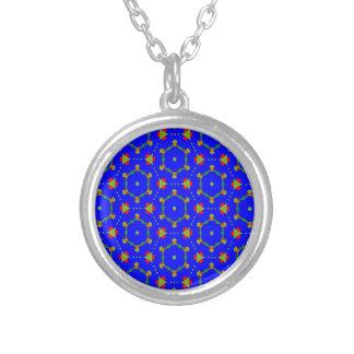 青く威厳があるなデザインのネックレス シルバープレートネックレス