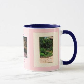 青く小ぎれいな保護のベンチのコーヒーおよび茶マグ マグカップ