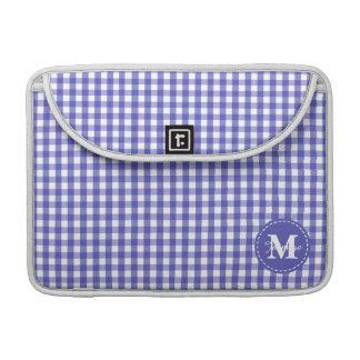 青く白いギンガムの正方形パターンモノグラム MacBook PROスリーブ