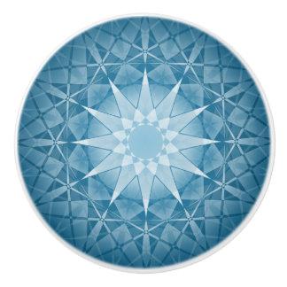 青く白い冬の雪片の円形パターン セラミックノブ