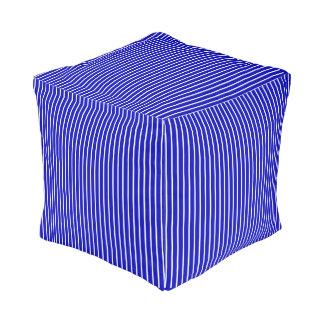 青く白い細い縦縞 プーフ