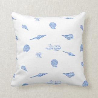 青く航海のな貝殻およびヒトデの枕 クッション