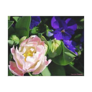 青く、ピンクの花 キャンバスプリント