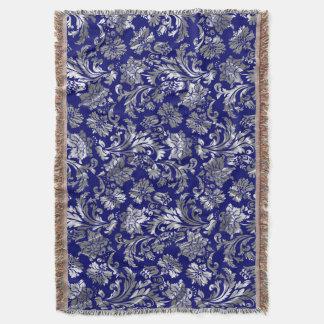 青く、金属銀製のヴィンテージの花柄のダマスク織 スローブランケット