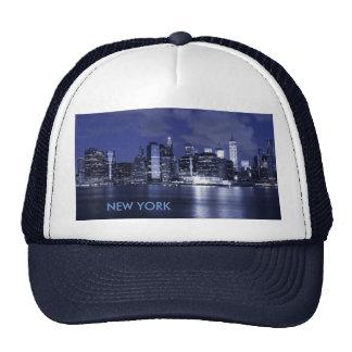 青で浸るニューヨークのスカイライン トラッカーハット