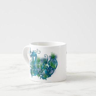 青によって宝石で飾られるドラゴン エスプレッソカップ