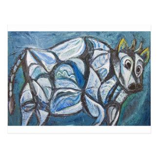 青によって宝石で飾られる牛(抽象的な動物の絵画) ポストカード