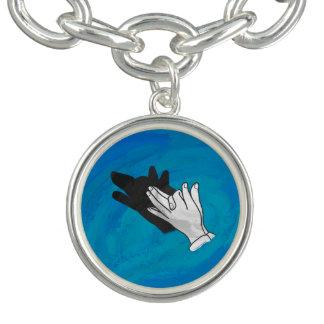 青のオオカミの影 ブレスレット