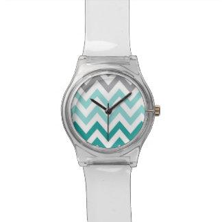 青のシェブロンの腕時計 腕時計