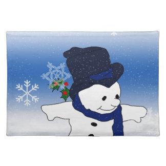 青のスケートで滑るの雪だるま ランチョンマット