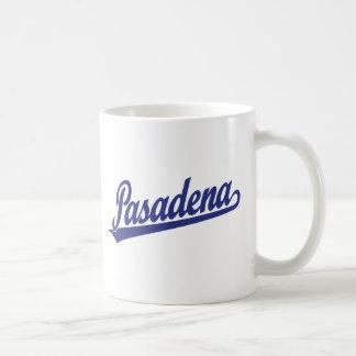 青のパサデナの原稿のロゴ コーヒーマグカップ
