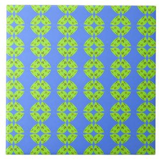 青の明るいライムグリーンパターン タイル
