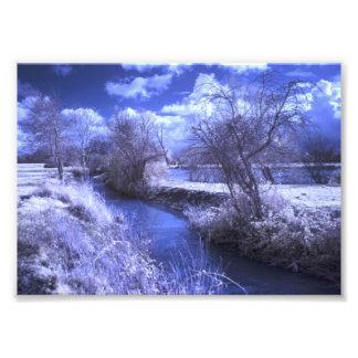 青の流れとの赤外線景色 フォトプリント