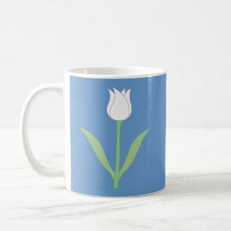 青の白いチューリップ コーヒーマグカップ