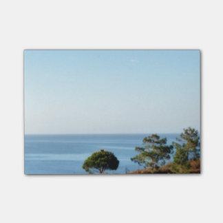 青の空、海および木 ポストイット