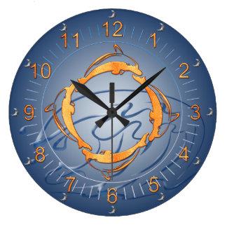青の金イルカのリングの色合い ラージ壁時計