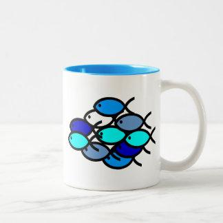 青キリスト教の魚の記号の学校- ツートーンマグカップ
