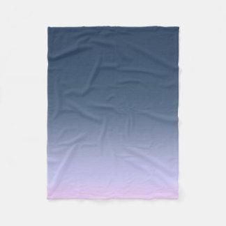 青ピンクのグラデーション。 フリースブランケット