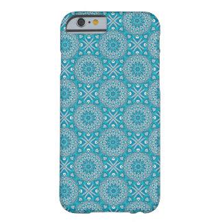 青及びティール(緑がかった色)の曼荼羅のSmartPhoneの場合 Barely There iPhone 6 ケース