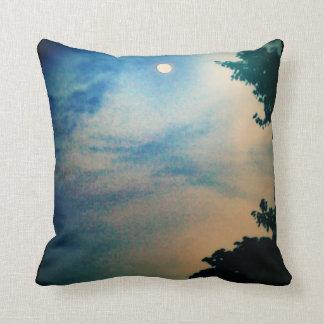 青及びモモの月の空の枕タイプ2の黒の背部 クッション