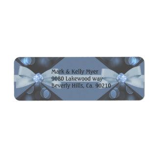 青及び灰色の《写真》ぼけ味ライト、リボン及び弓結婚式 ラベル