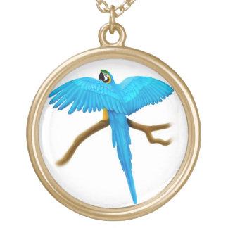 青及び金ゴールドのコンゴウインコのオウムのネックレス ゴールドプレートネックレス