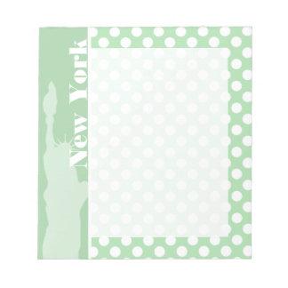 青磁の緑の水玉模様の自由の女神 ノートパッド