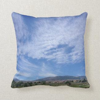 青空および巻雲 クッション