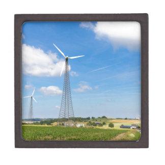 青空との郊外の2つの風車 ギフトボックス