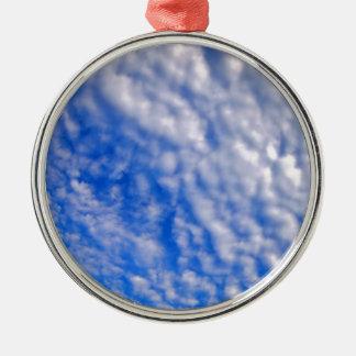 青空に対する密な層雲 メタルオーナメント