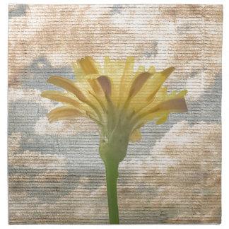 青空の写真上のぼろぼろのシックなスタイルの花 ナプキンクロス