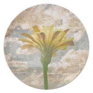青空の写真上のぼろぼろのシックなスタイルの花 プレート