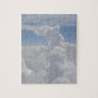 青空の自然の白いふくらんでいる雲の形成 ジグソーパズル