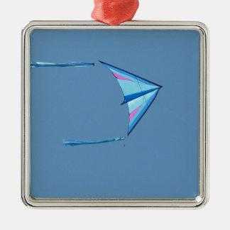 青空の青いデルタ凧 メタルオーナメント