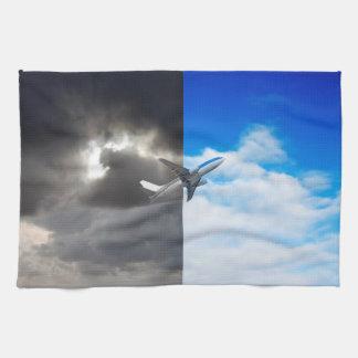 青空への嵐の空からの平らな飛行 キッチンタオル