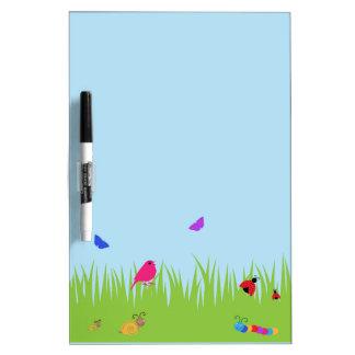 青空を持つ草のかわいい虫そして鳥 ホワイトボード