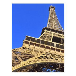 青空2に対するエッフェル塔の低い角度眺め ポストカード