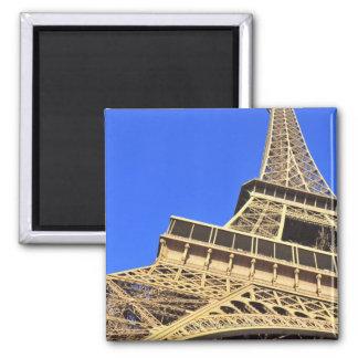 青空2に対するエッフェル塔の低い角度眺め マグネット