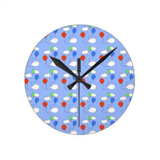 青空、自由な気球 ラウンド壁時計