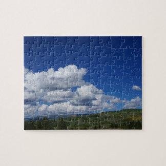 青空、雲および山 ジグソーパズル
