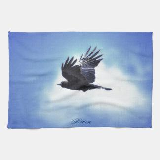 青空HDRの写真のデザイン2の飛んでいるなワタリガラス キッチンタオル